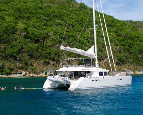 Vacanza in catamarano, quali sono i migliori mari in Italia